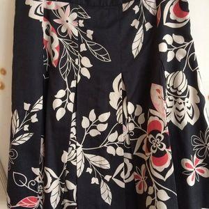 Ann Taylor Loft Pleated floral print skirt, Size 2